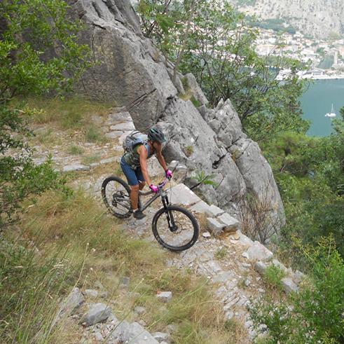 Bikereisen Atlas Marokko Montenegro mit Bergführer Paul Held